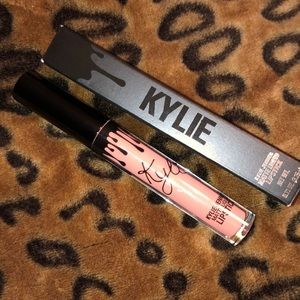 Kylie liquid lipstick - One Wish